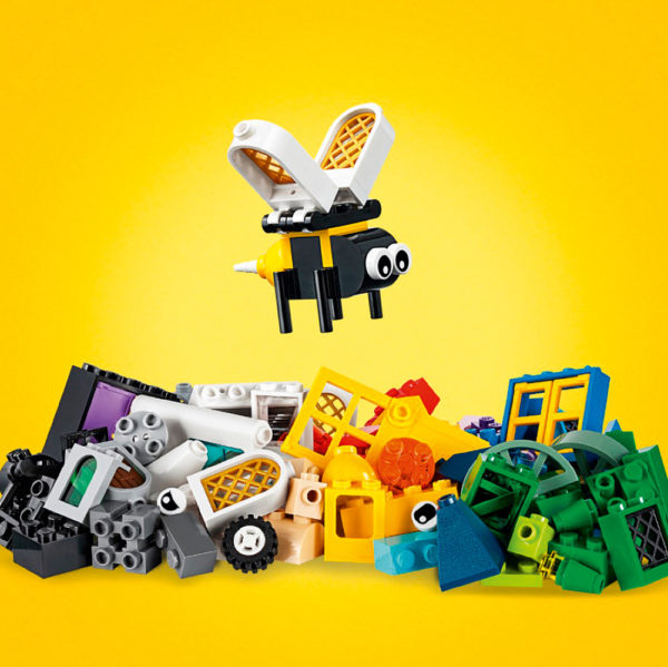 LEGO® Classic - Windows of Creativity